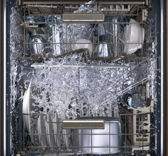عملکرد ماشین ظرفشویی در هنگام شستشوی ظروف